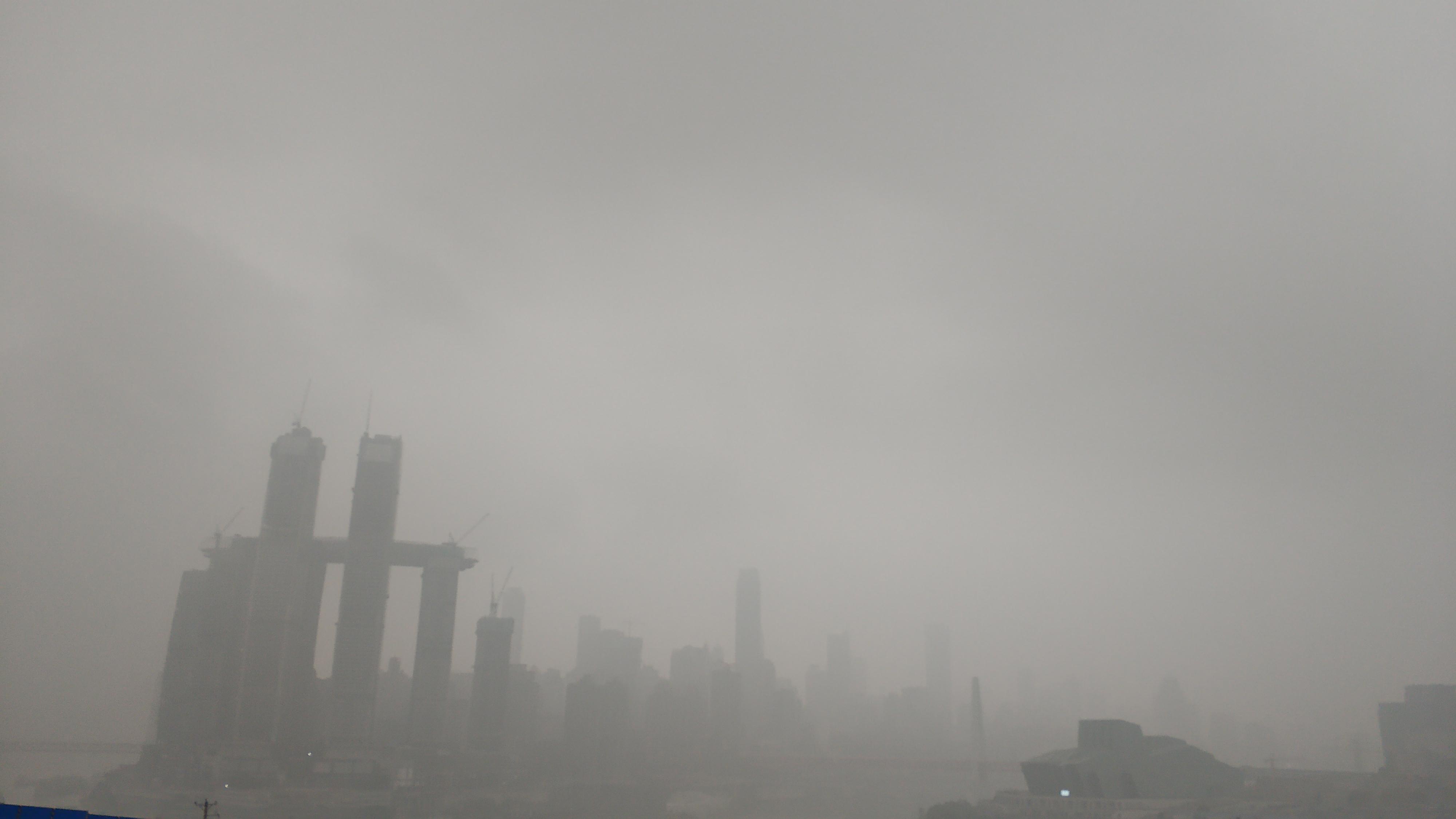 摄影:雾都·城变